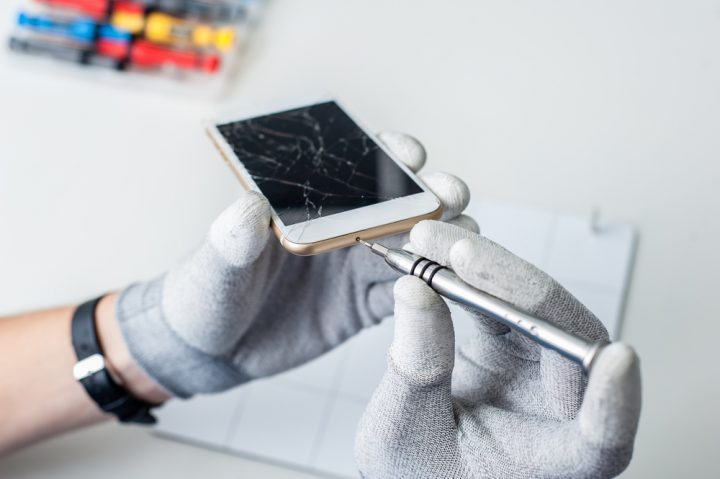iPhone screen repair service